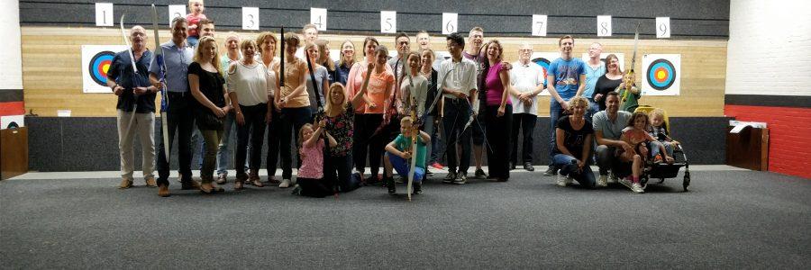 Badminton club Saturnus kan ook goed schieten!